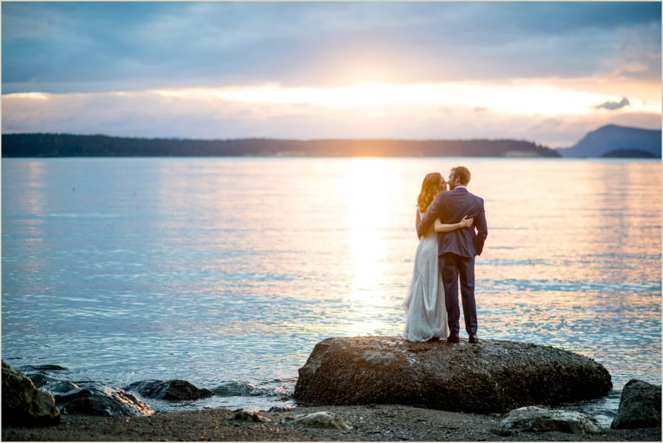 sunset bride and groom orcas island wedding