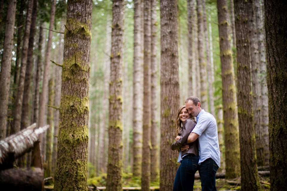 adventurous engagement photos in washington