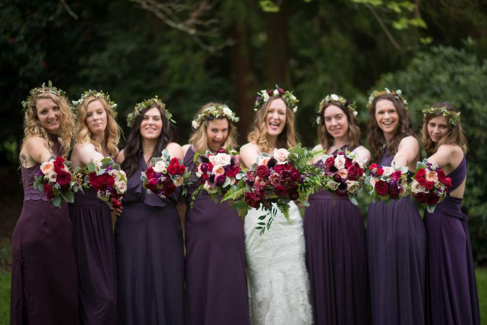 beautiful spring bouquets for boho wedding