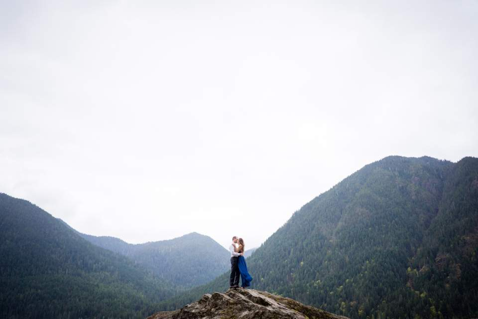 big rock at lake cushman engagement photos