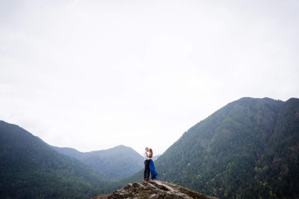 big rock at lake cushman engagement photos