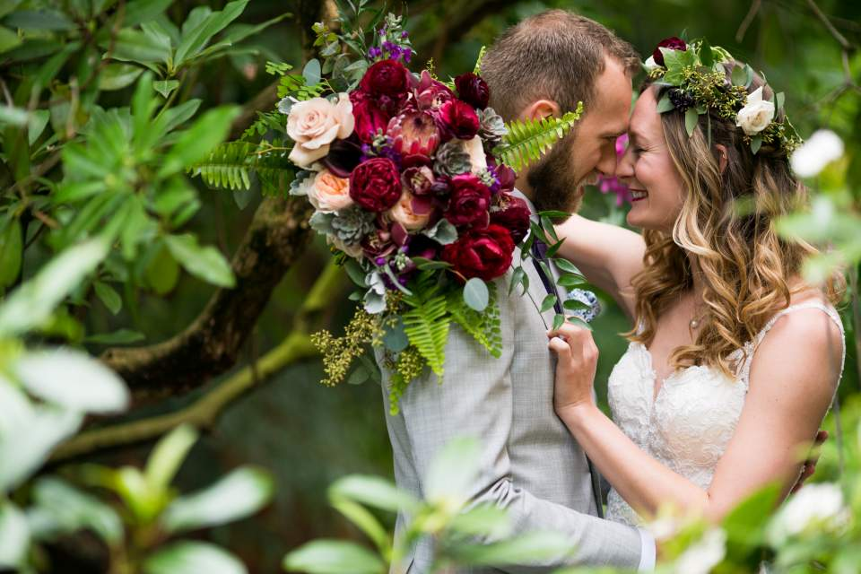 botantical wedding photos in seattle