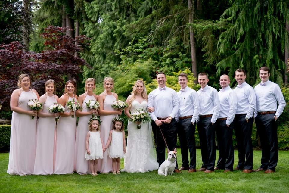 classic wedding party photo