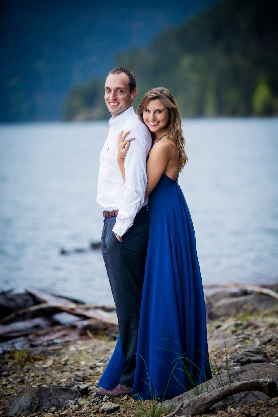 couples photos at lake cushman