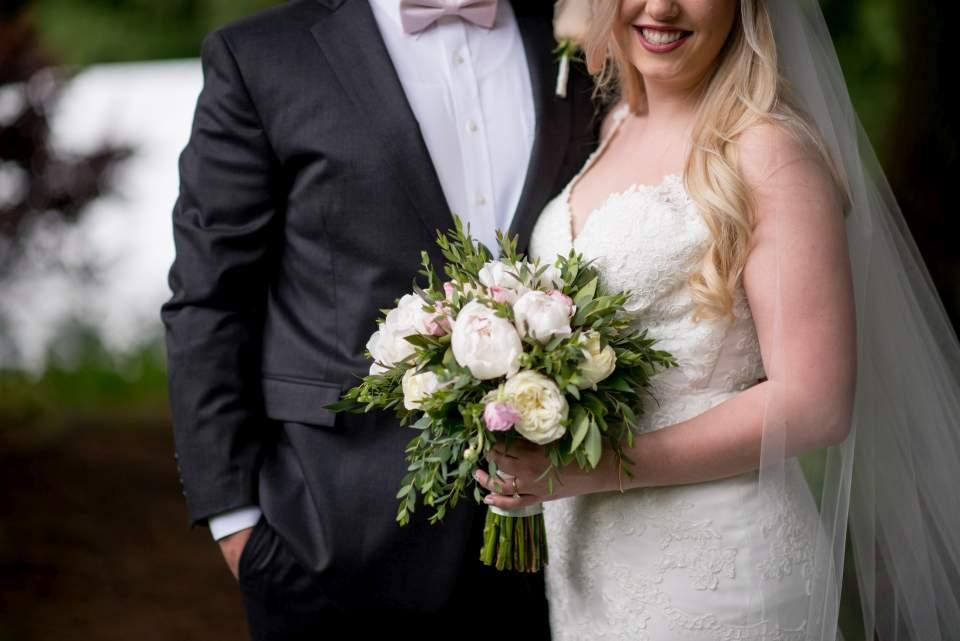 feminine wedding photos