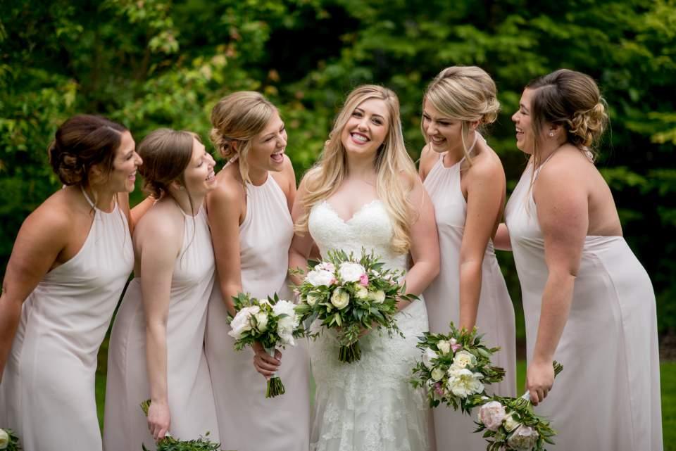 photos of bridesmaids