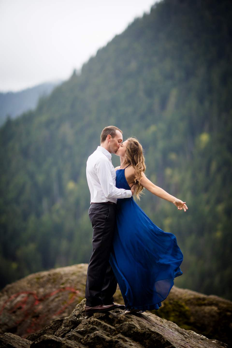romantic adventure engagement photos