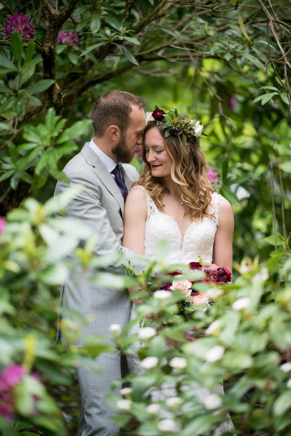 wedding photos at volunteer park