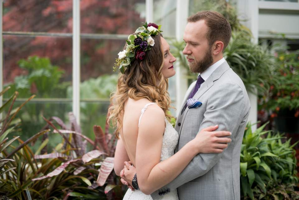 wedding photos in volunteer park conservatory