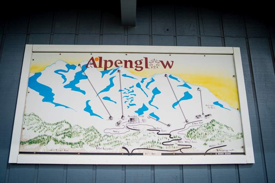alpenglow ski lodge
