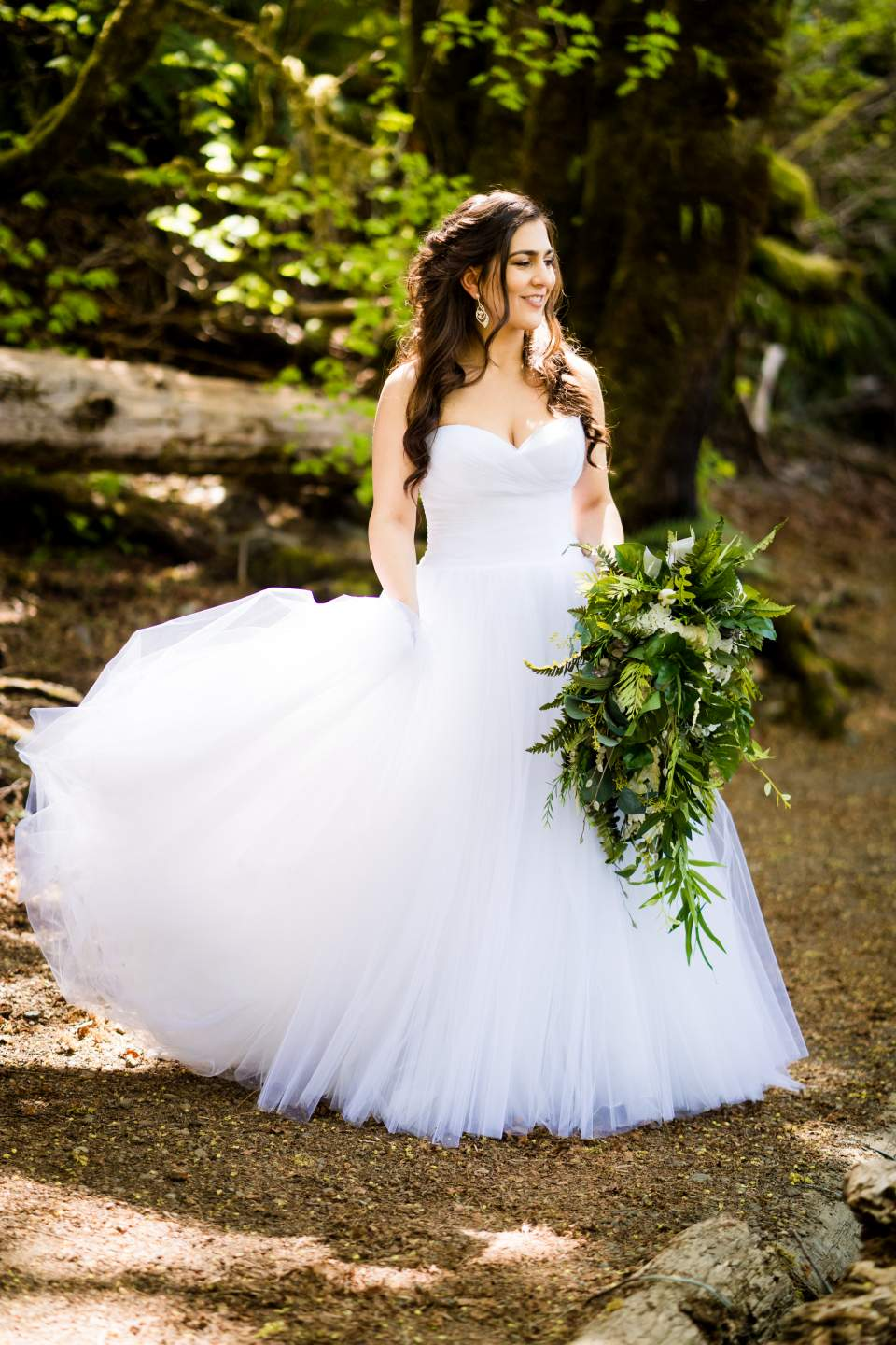bridal photos rustic adventurous olympic national park