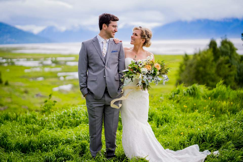 bride and groom photos in anchorage ak