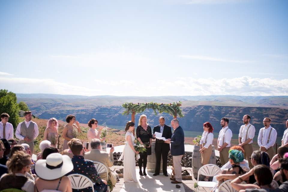 cave b winery wedding ceremony