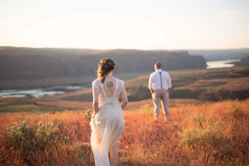 cave b winery wedding photos columbia river gorge