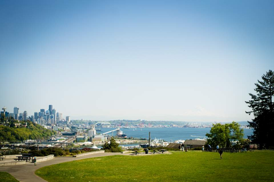 ella bailey park view of seattle for wedding ceremony