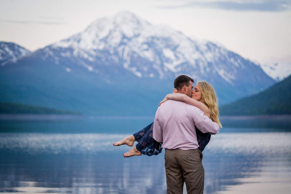 lake eklutna adventurous couples photos