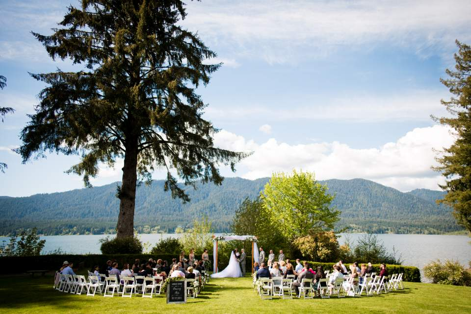 lake quinault lodge wedding seattle wedding photographers