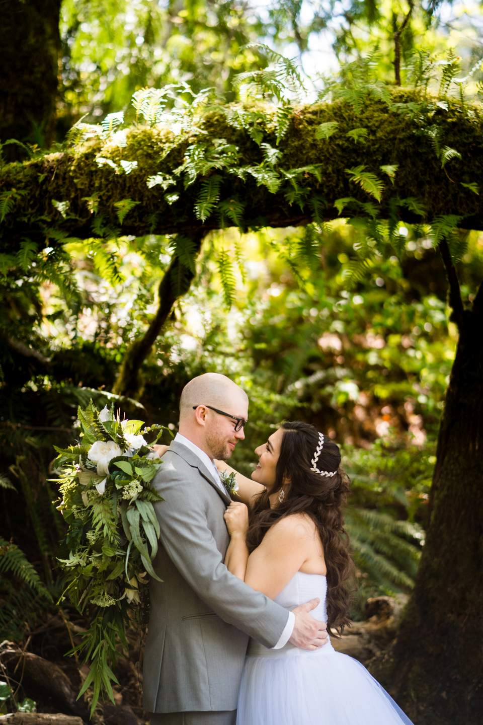 newlywed couple lake quinault lodge portraits