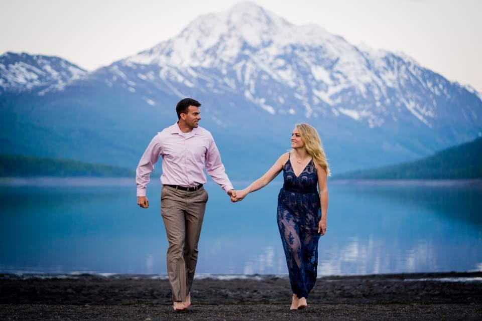 romantic anniversary photos at lake eklutna