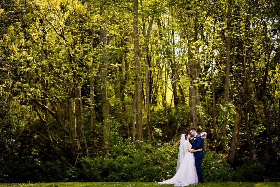seattle outdoor wedding photographers couples photos