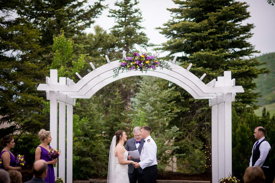 wedding ceremony at wedgewood ken caryl denver