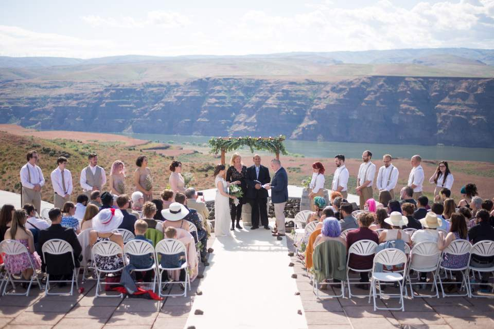 wedding venue with views of the columbia river gorge
