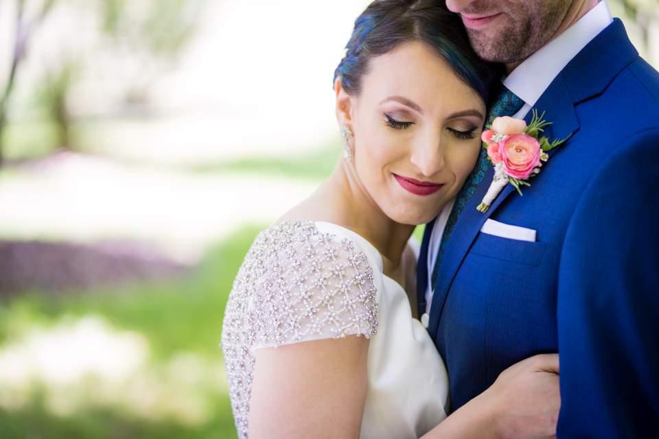 emotionally vibrant wedding photography in seattle