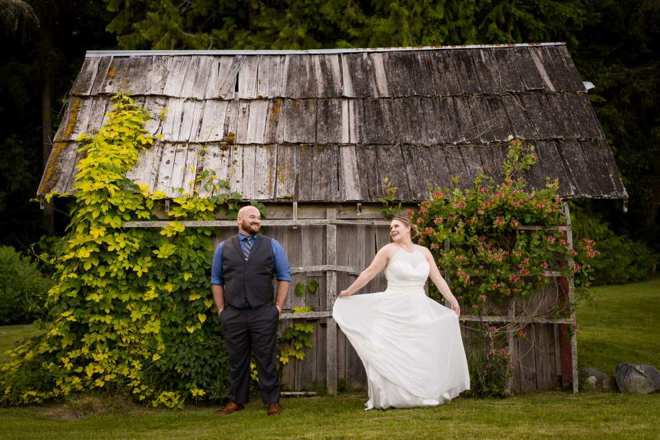farm kitchen wedding seattle wedding photographers salt and pine