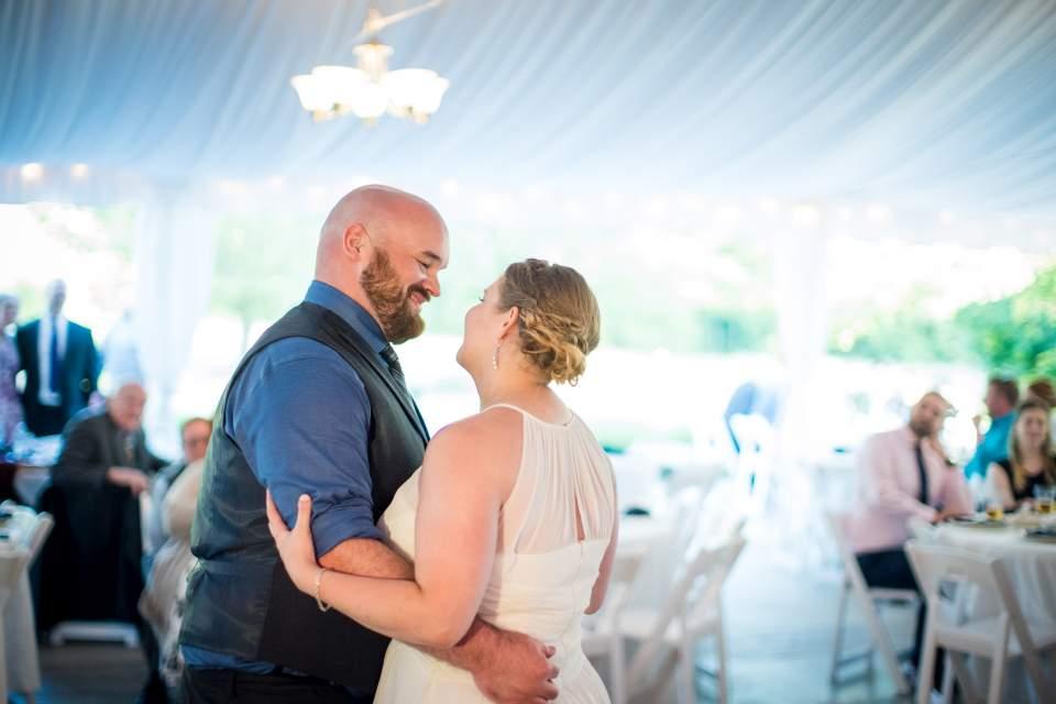 first dance under tent