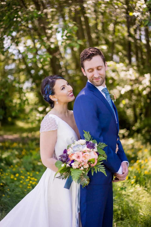 outdoor wedding photos at center for urban horticulture uw