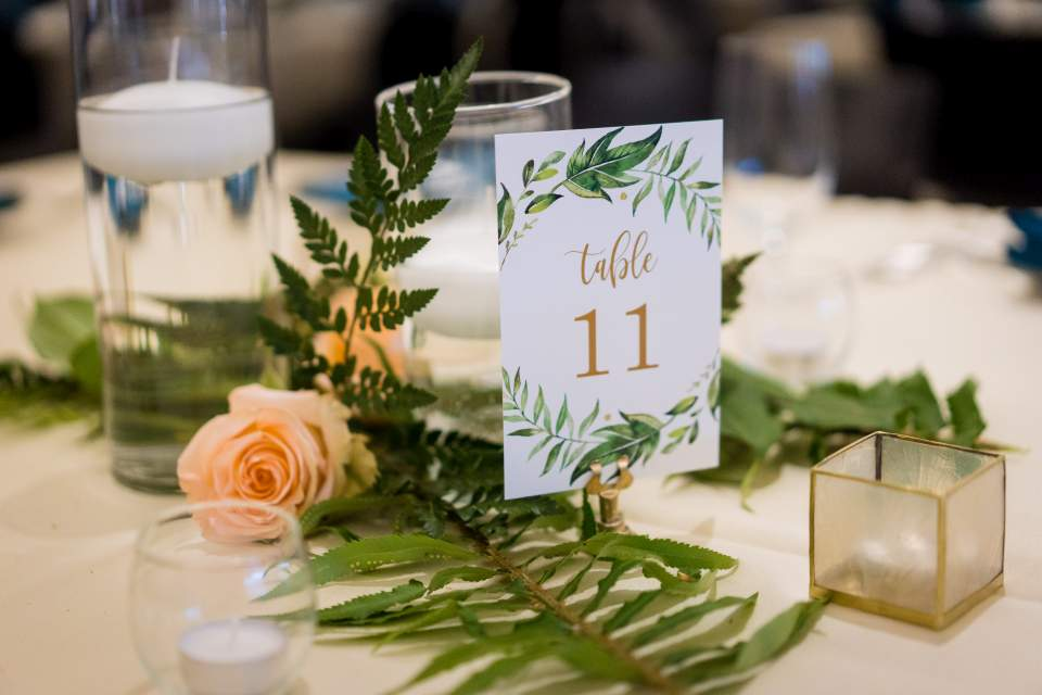 simple and elegant spring wedding decor at center for urban horticulture