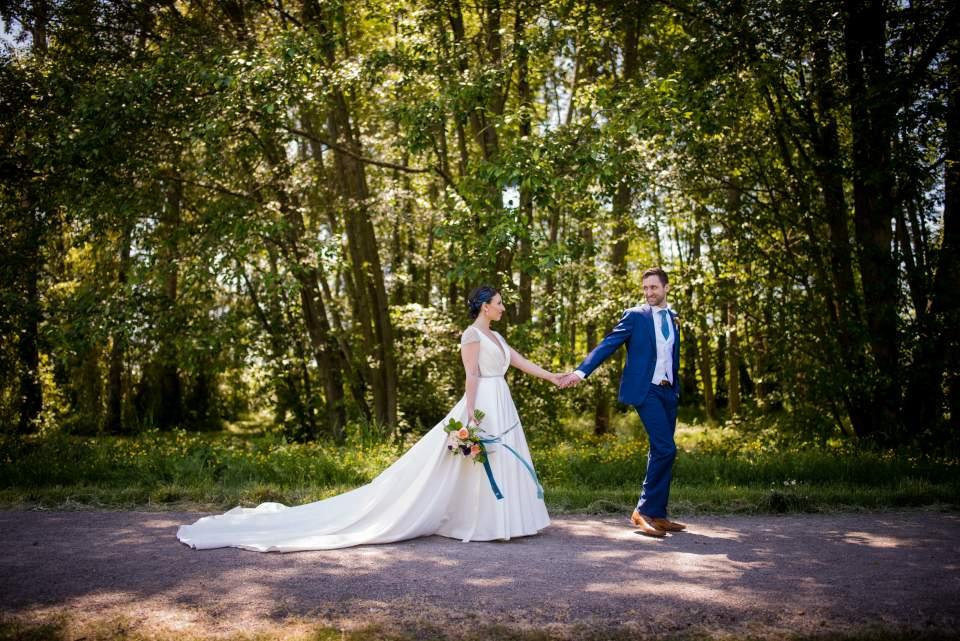spring university of washington wedding
