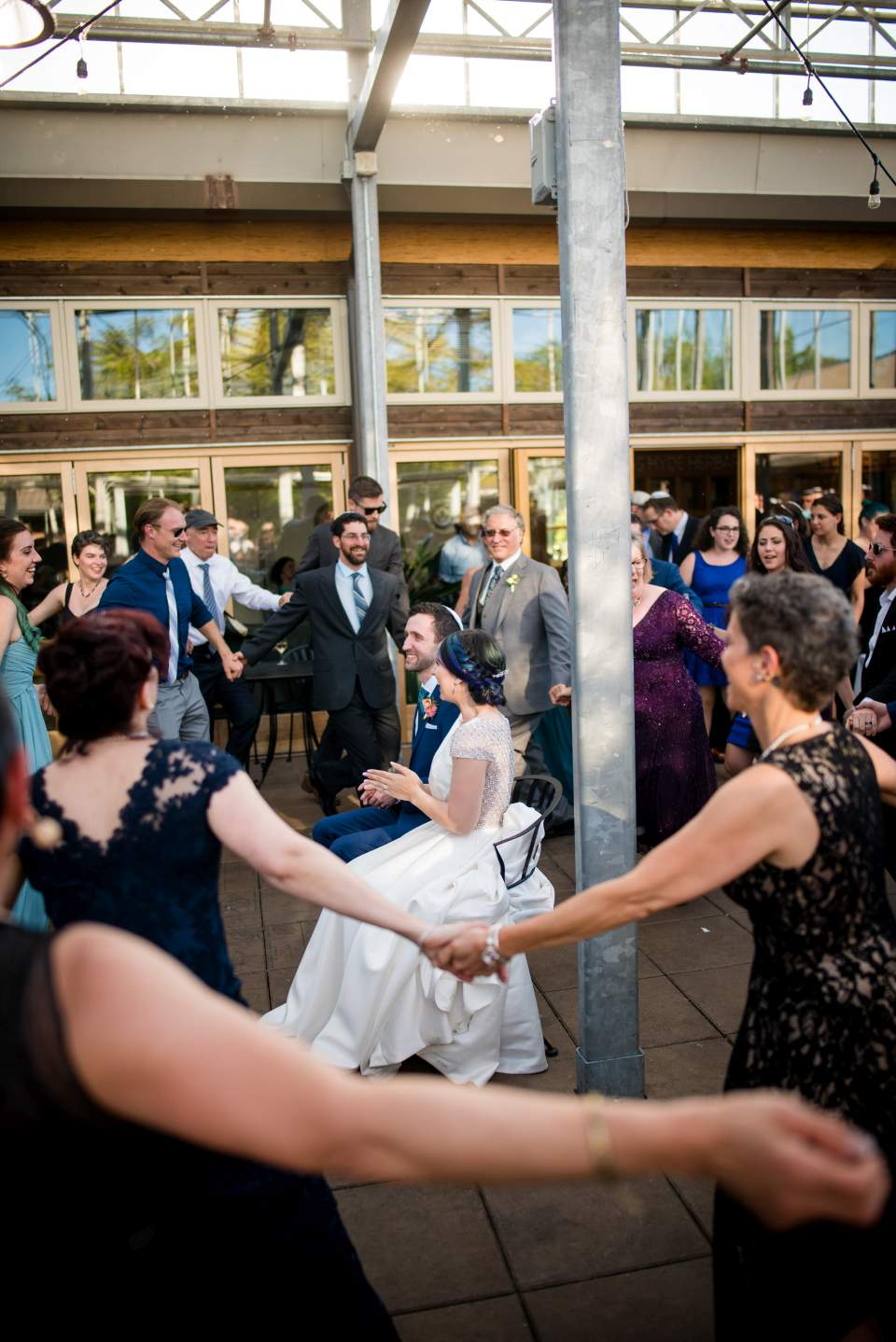 traditional jewish dance for wedding couple