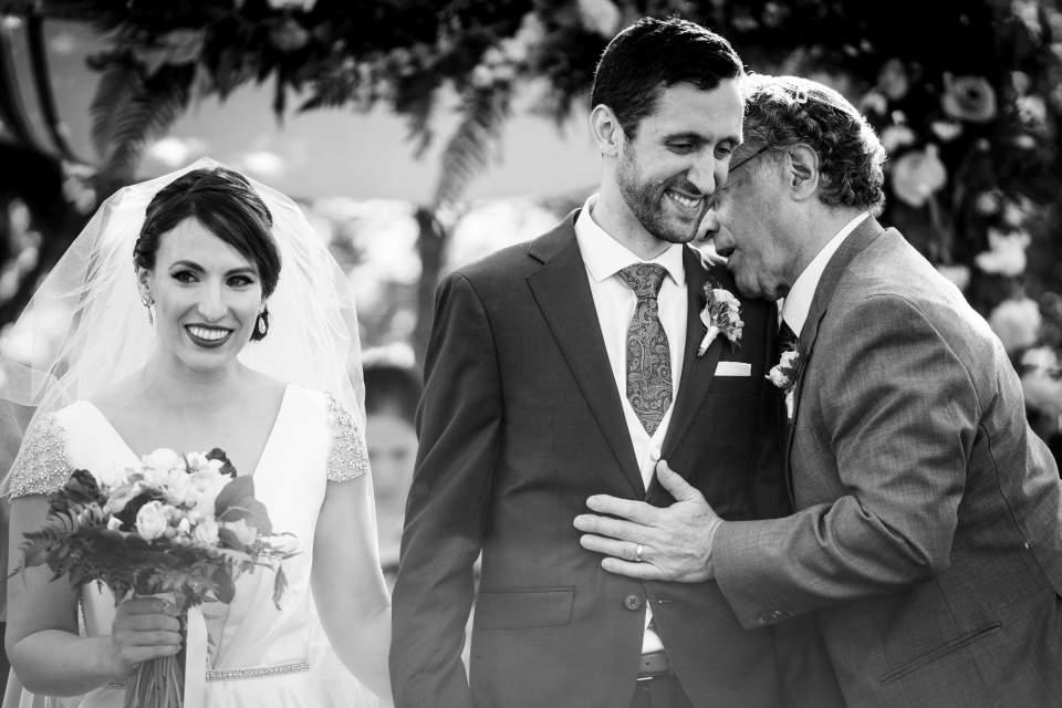 wedding ceremony candid