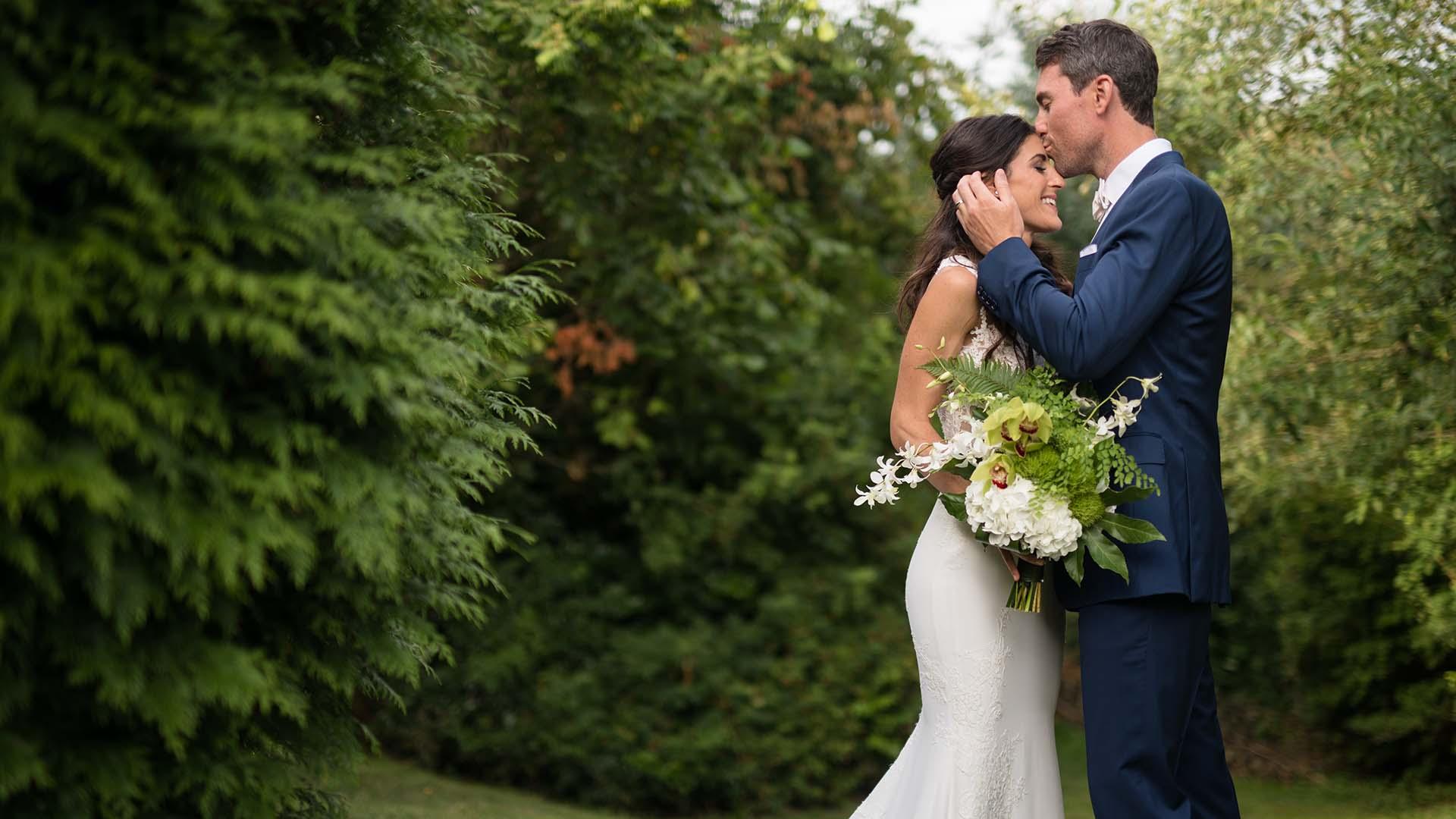 willows lodge wedding seattle wedding photographers woodinville washington salt and pine