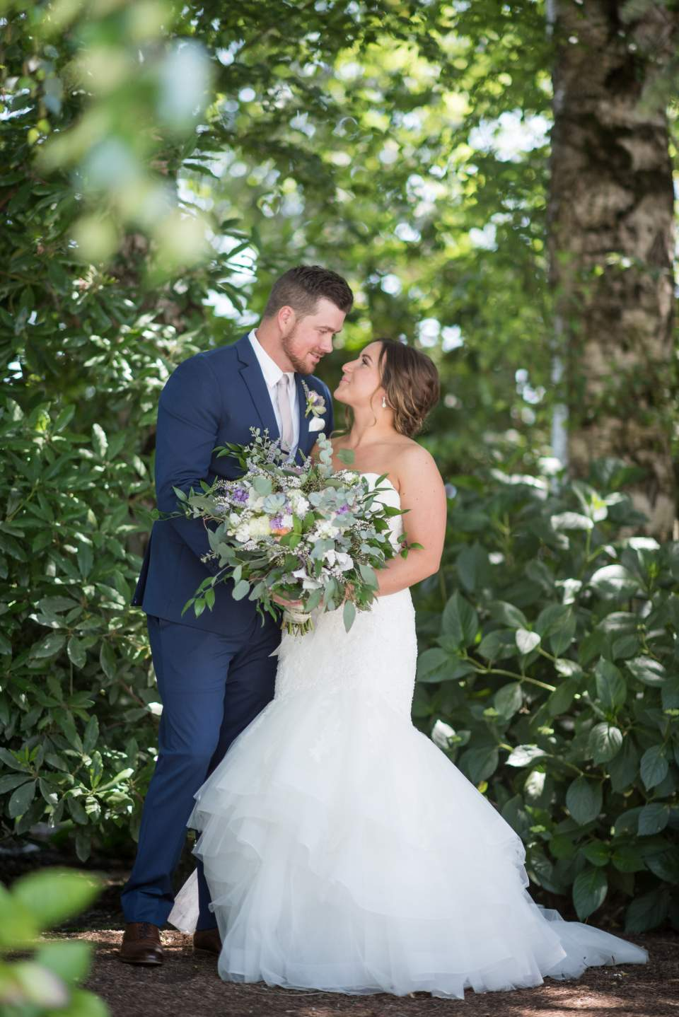 beautiful wedding day photos at maplehurst farm