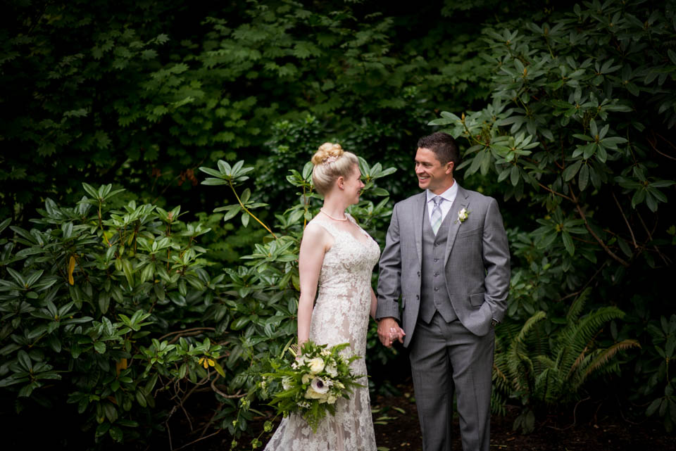 botanical bride and groom wedding portrait salish lodge wedding salt and pine photographers