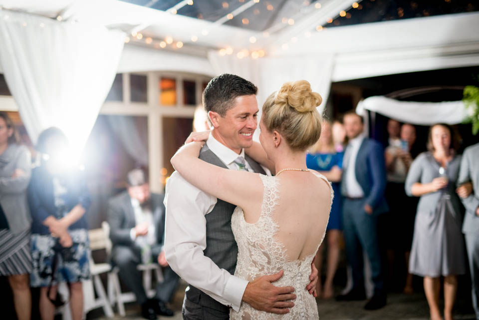 bride and groom first dance pics