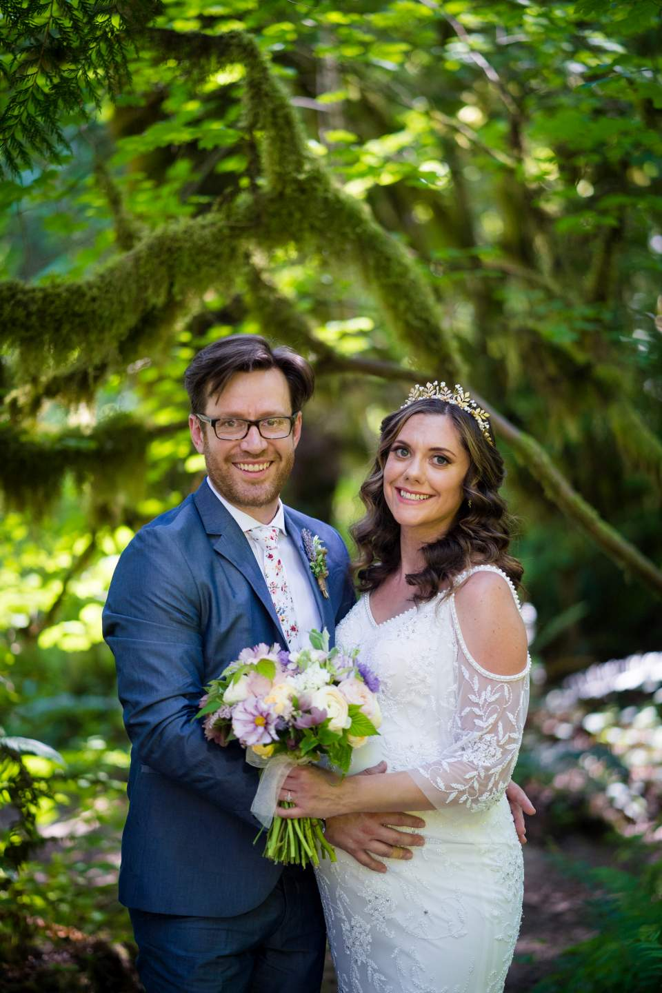 classic wedding portrait at treehouse point