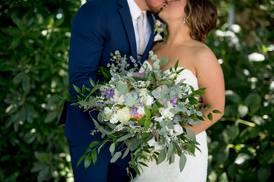 detail photo of brides wedding bouquet