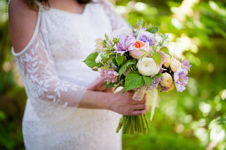 down to earth snoqualmie wedding flowers treehouse point elopement
