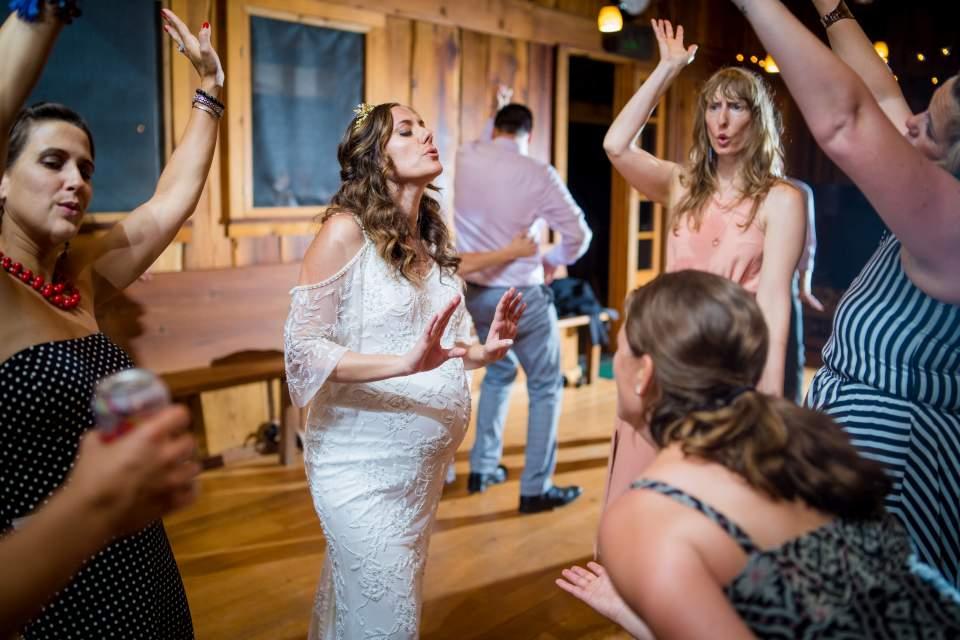fun candid dancing photos