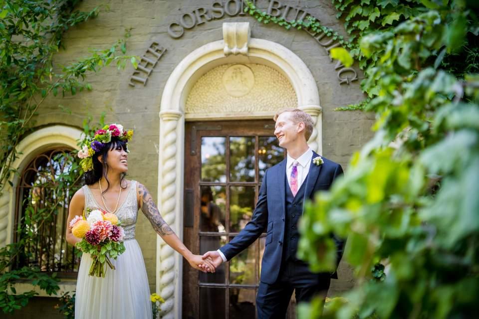 fun cheerful wedding photos