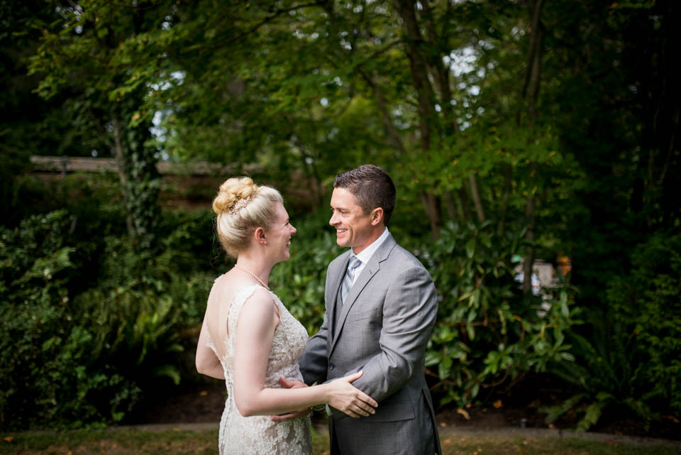 happy couple wedding day portraits