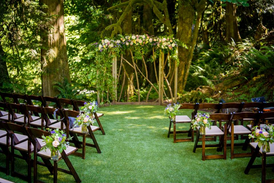 intimate ceremony venues in washington treehouse point