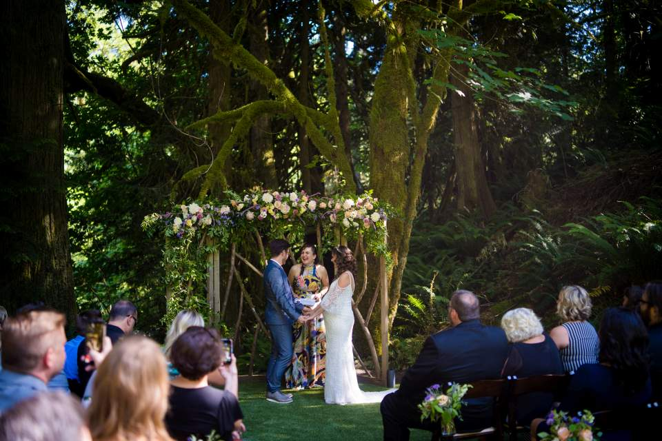 intimate wedding ceremony at treehouse point