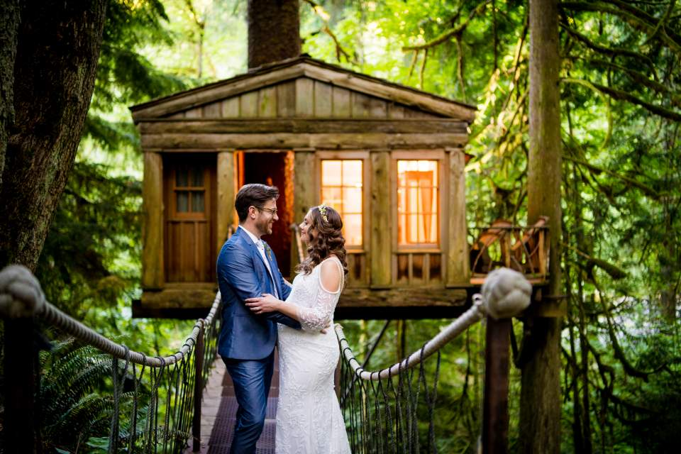 intimate wedding day at treehouse point