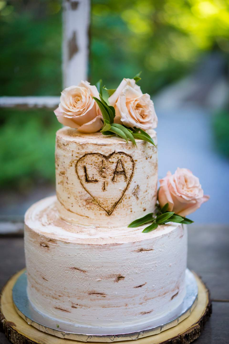 wedding cake made to look like a birch log
