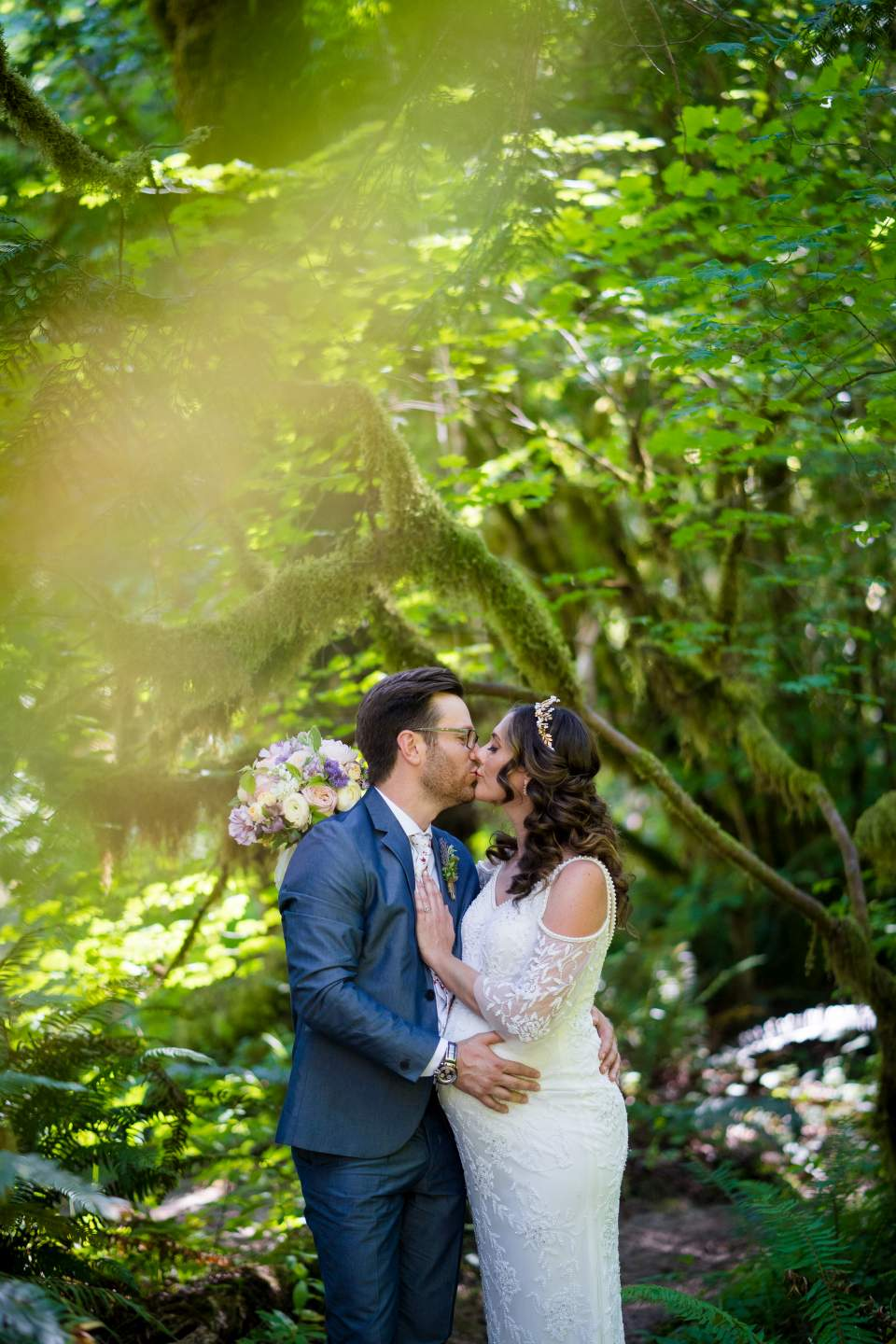 wedding photos at treehouse point