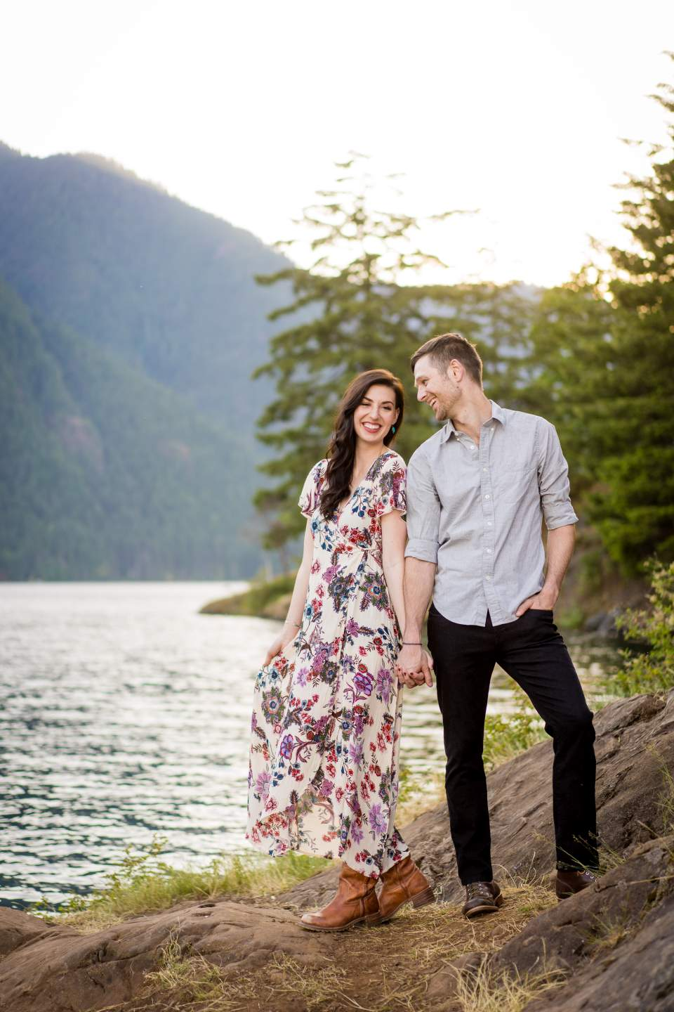 adventurous engagement photos in washington